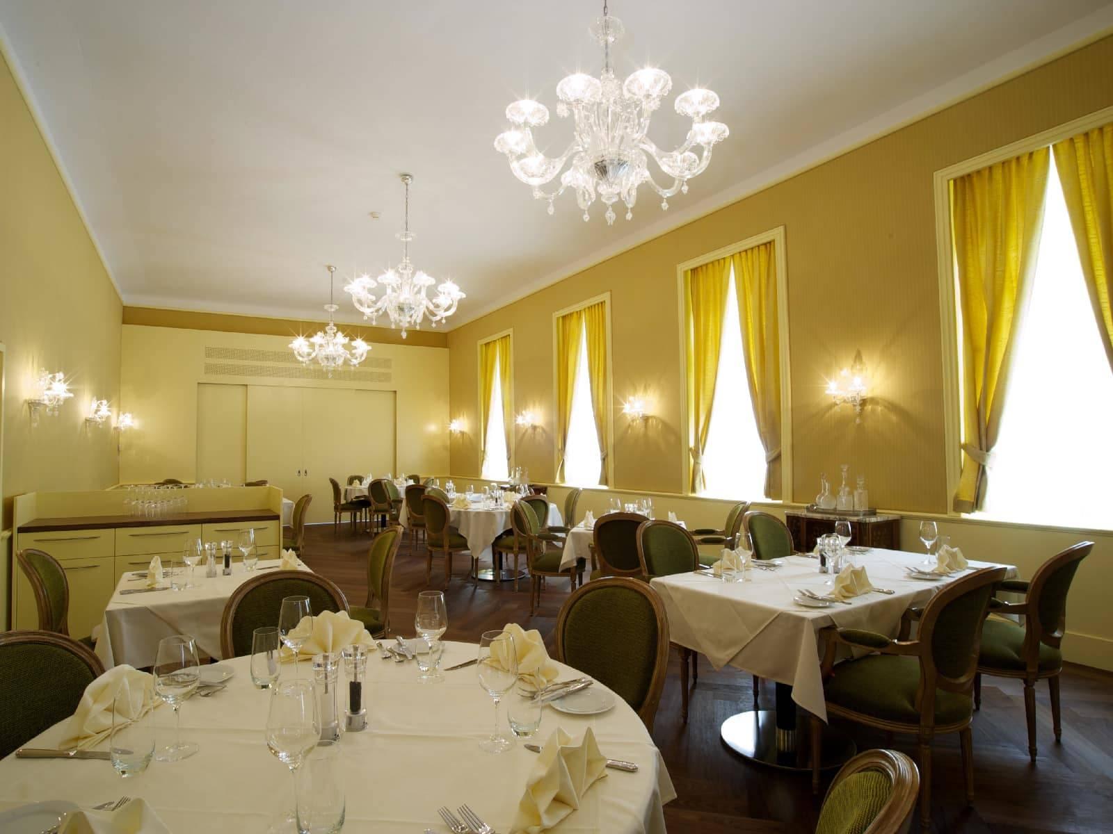 Tavoli Eleganti Sala Da Pranzo sale eleganti - hotel le prese